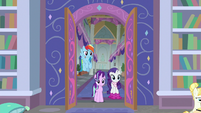 Starlight, Rarity, and Dash enter the library S8E17