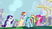The ponies and Spike looking up at Twilight S4E1