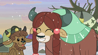 Yona happy with her hair braids S8E16