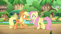 Applejack and Fluttershy -me, too!- S8E23