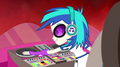 DJ Pon-3 starting the music EG2.png