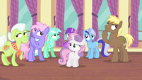 Other ponies trying to remember S4E19