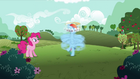Rainbow Dash spinning around S3E3