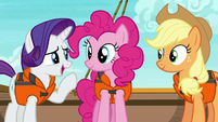 "Rarity ""trying to give the two of you"" S6E22"