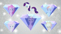 Rarity surrounded by friendship diamonds S7E2