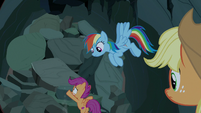 Scootaloo digs at the collapsed entrance S7E16
