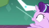 Starlight gets pulled into the black hole S7E1