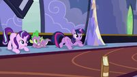 Twilight, Starlight, and Spike looking at Derpy S6E25