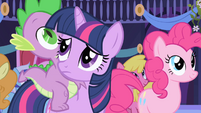 Twilight looking concerned S1E1