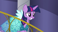 Twilight walking down stairs S5E14
