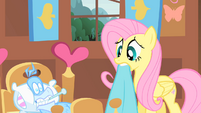 Fluttershy taking care of Philomena2 S01E22