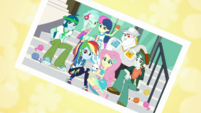 Photo of Rainbow Dash and the knitting club EGDS4