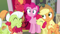 Pinkie Pie and Apple family -road trip!- S4E09