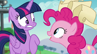 Pinkie startles Twilight S5E24