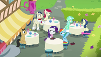 "Rainbow ""I'm only hanging out with ponies"" S8E17"