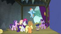 Rainbow Dash returns to the theater S8E7