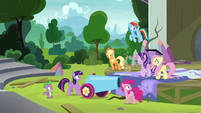 Rarity speeding off-screen S8E7