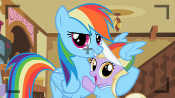 S02E08 Rainbow Dash robi sobie zdjęcie z Dinky