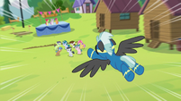 Thunderlane diving down toward the foals S7E21