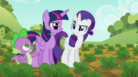 Twilight and Rarity looking annoyed S6E10
