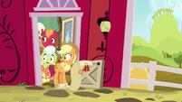 Applejack, Big Mac, and Granny Smith watching Pinkie S4E09