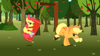 Applejack bucking practice S2E15
