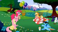 Balloon picnic S02E03