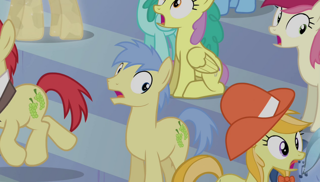 File:Crowd starting to disperse S4E24.png