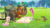 Fluttershy, Pinkie, and yaks watch animals S5E11