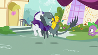 Gabby bumps into Rarity while flying S9E19