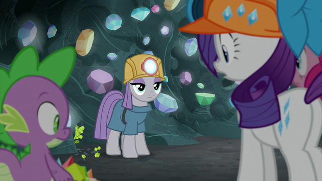 File:Maud finds a vein of chartreuse gems S7E4.png