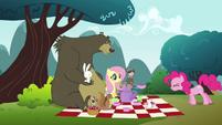 Pinkie Pie clone 'Yes!' S3E3