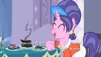 Rarity's mother laughing S2E5
