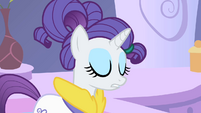 Rarity eyes shut S1E20