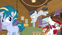 Rumble jumping onto the jam-making table S7E21