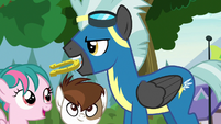 Thunderlane holding horseshoe in his mouth S7E21