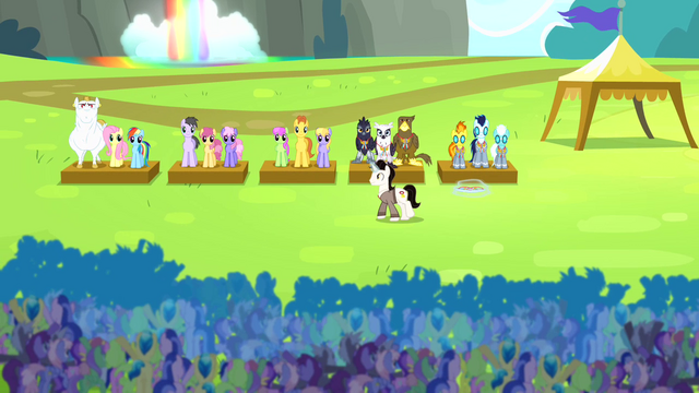 File:Timekeeper awarding medals S4E10.png
