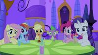 Twilight's friends surprised S2E25