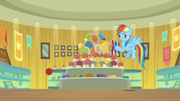 Rainbow flinches when Quibble crashes off-screen S9E6