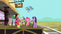 Sarsaparilla Pinkie Pie when the train departs S2E14