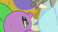 Spike despertando lentamente T5E7