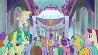 Twilight Sparkle starts addressing the students S8E1
