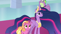 Twilight and Luster look at stained glass windows S9E26