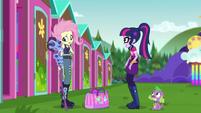 Twilight shocked by Fluttershy's new look CYOE16b