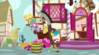 """Discord """"I can certainly make a pony"""" S9E23"""