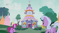 Golden Harvest, Berryshine, and Lilac Links approach Carousel Boutique S1E18