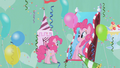 Pinkie in front of fun house mirror S1E03.png