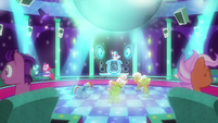 Rainbow and grannies at DJ Pon-3's club S8E5