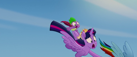 Rainbow drags Twilight back to the ground MLPTM