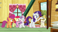Rarity patting Zipporwhill on the head S7E6